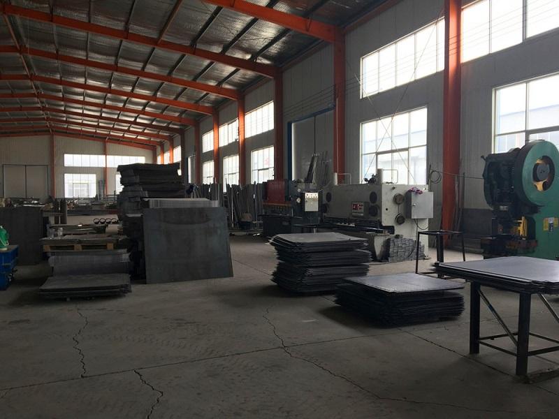 不锈钢/铁水箱生产区